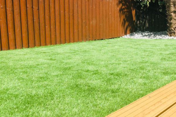Artificial-grass-in-a-Devon-garden